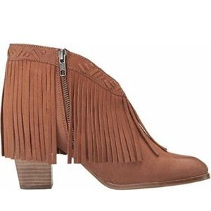 Seychelles World Tour Whiskey fringe booties. Used